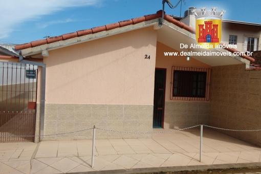 Bela Casa 2dormitórios próximo à Praia e ao Centro