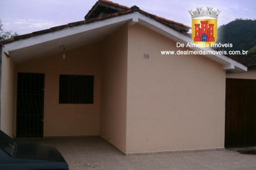 Casa 2 dormitórios - R$ 750,00