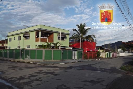 Imóvel c/ 4 kit-net(independentes)+ casa c/ 3 doms
