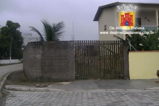 Terreno aterrado e murado em rua asfaltada- 130Mil